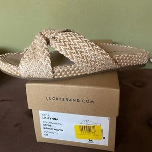 NIB--Lucky Stone Synna Slide Sandals